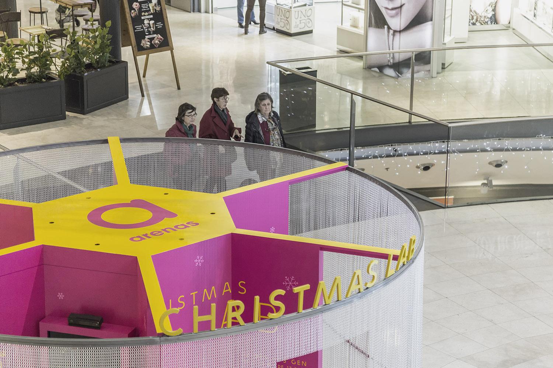 acción navidad christmas lab en el c.c Arenas